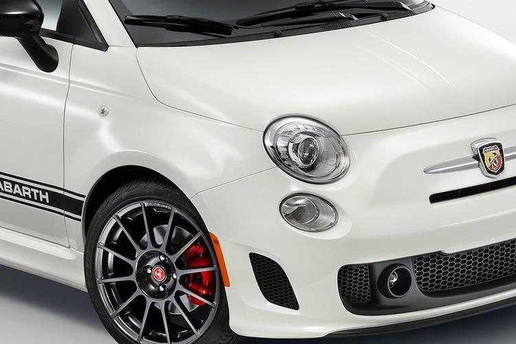 Abarth 595 C Cabrio 1.4 T-Jet 180PS Competizione 2Dr Manual detail view